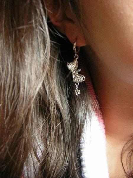 一百五的喵咪耳環