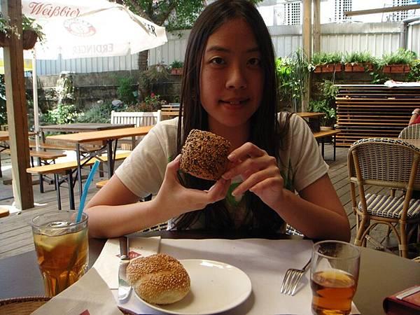 麵包不錯吃喔.JPG