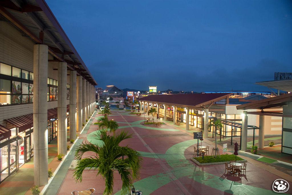 日本沖繩購物奧特萊斯免稅賣場Outlet Ashibinaa (14).jpg