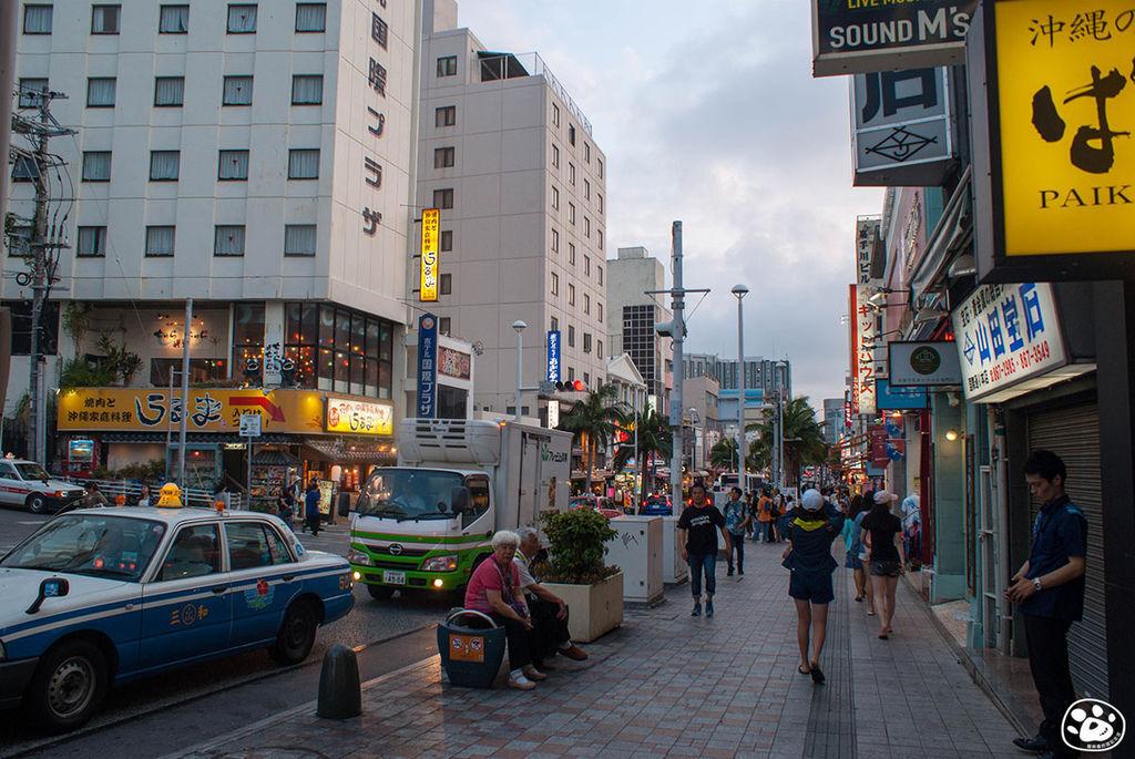 日本沖繩購物景點-國際通 (9).jpg