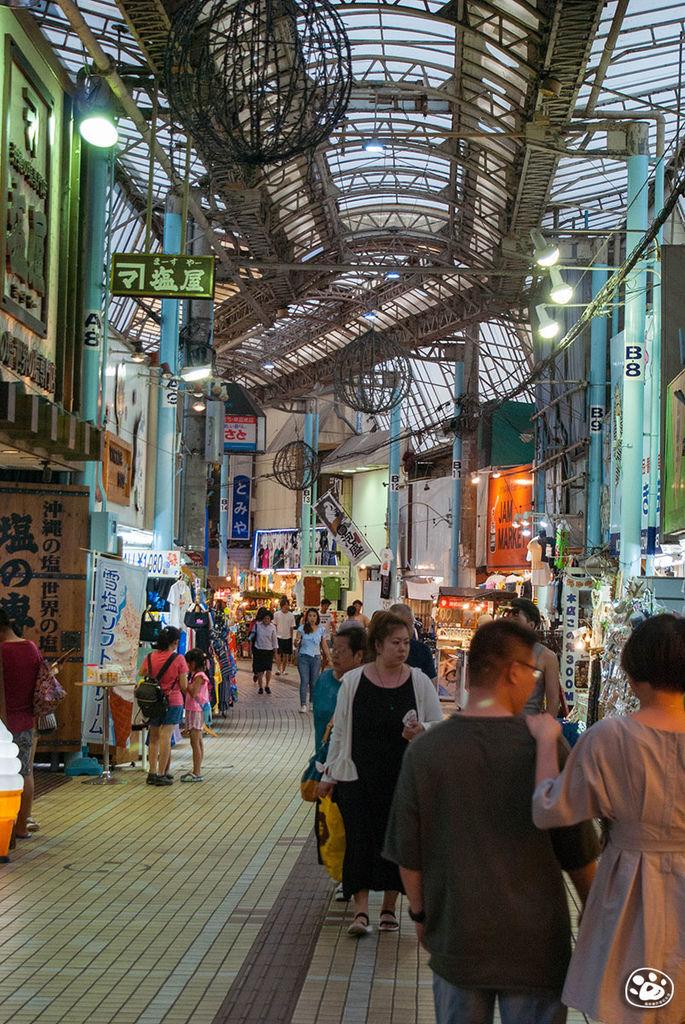 日本沖繩購物景點-國際通-平和通商店街 (3).jpg