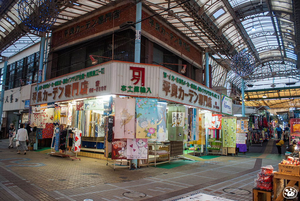 日本沖繩購物景點-國際通-平和通商店街 (11).jpg