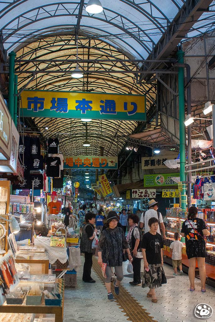 日本沖繩購物景點-國際通-平和通商店街 (17).jpg