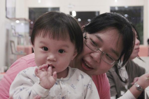 1123 婉莉與女兒.jpg