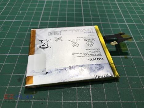 SONY Z電池膨脹