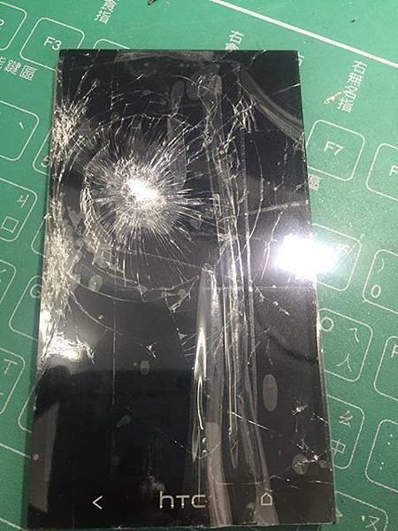 M7螢幕破裂