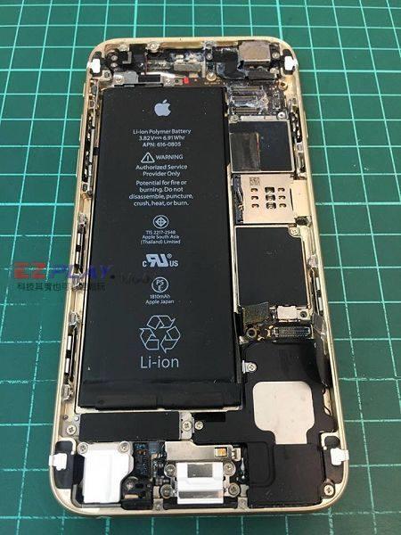 iphone6手機泡海水