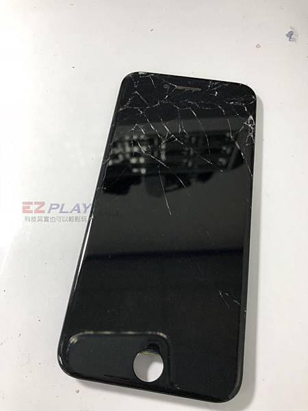 IPHONE7面板遭摔破