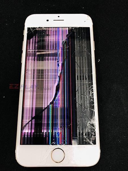 IPHONE6面板嚴重破裂