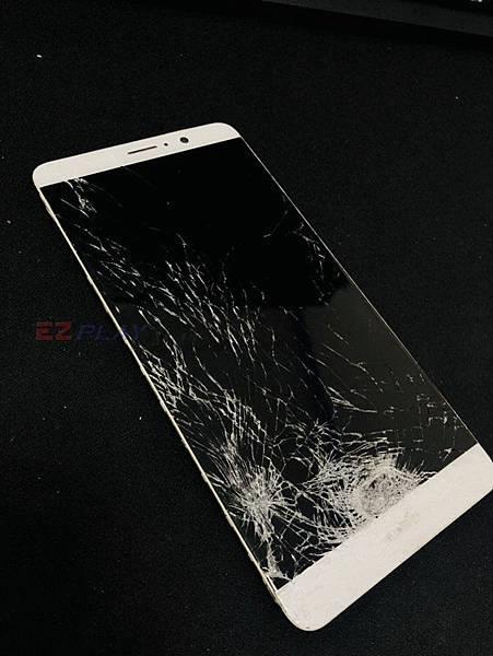 華為MATE9面板嚴重損壞