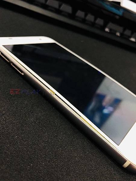 HTC A9面板怎會隆起