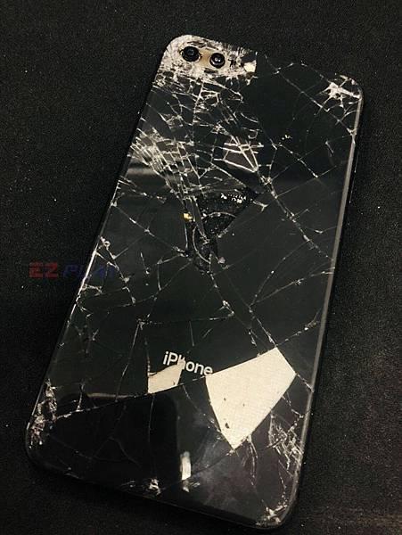 IPHONE8+前後都採用玻璃