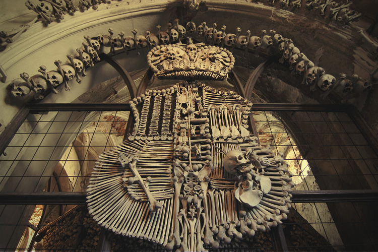 捷克蜜月人骨教堂
