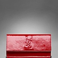 203855_AB80G_6013_A-ysl-women-patent-leather-clutch-470x550