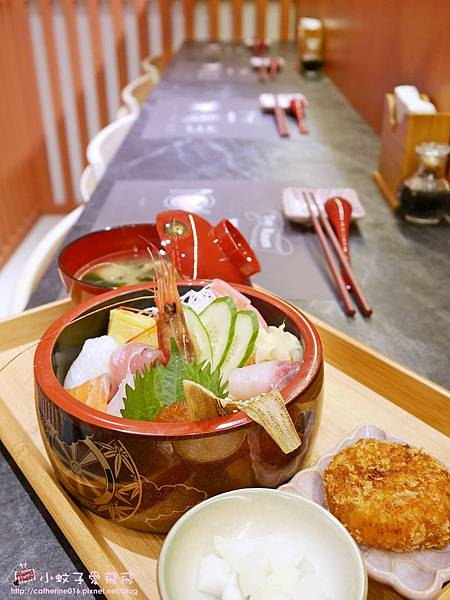 10 鮨海鮮丼.JPG