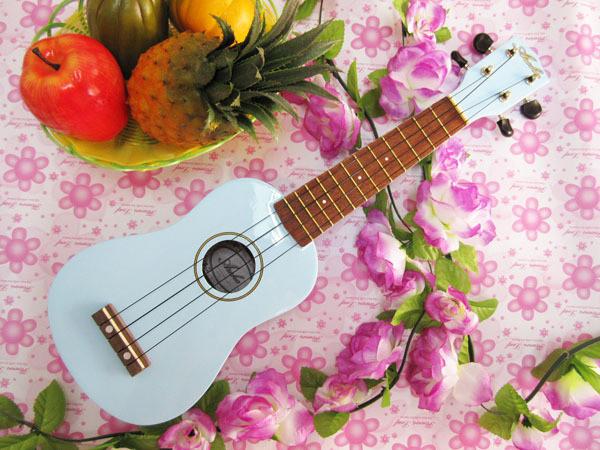 blue-ukulele.jpg