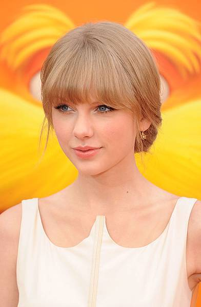 taylor-swift-the-lorax-premiere-0229-18