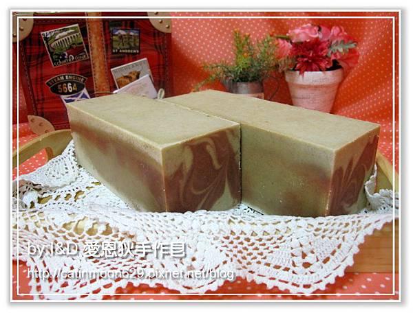 台南雨吟媽咪5次代製-檀香滋養皂磚
