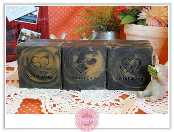 台南小涵媽咪-葡萄籽備長碳皂