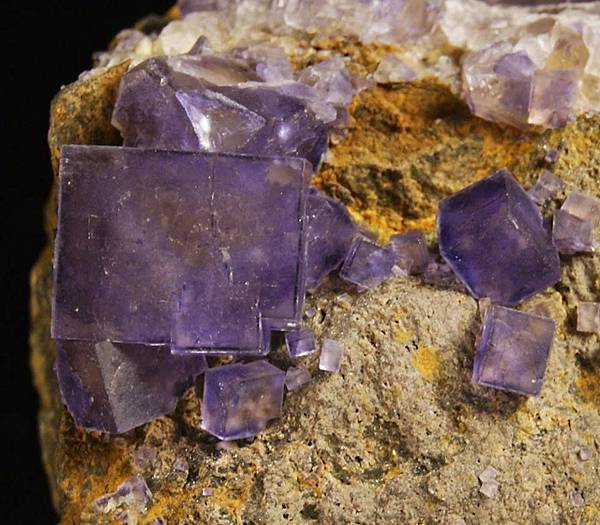 紫色螢石 - 法國.jpg