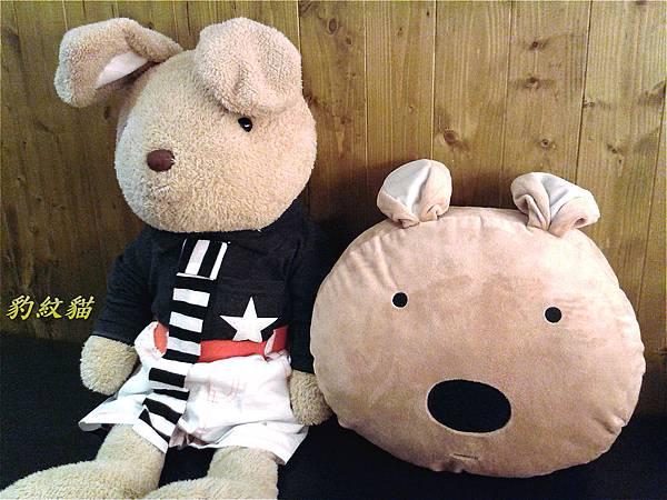 兔子和抱枕_meitu_6