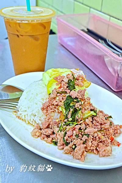 Kanokwan老麵攤打拋豬肉飯
