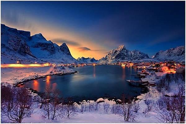 挪威最美麗的村莊 風景如畫的小漁村.jpg