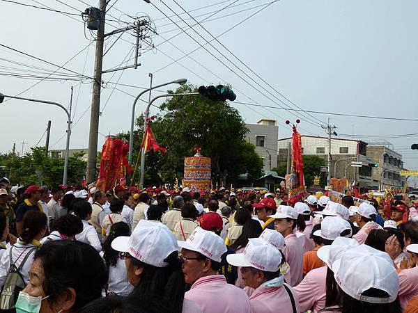 2011大甲媽祖繞境新港_133.JPG