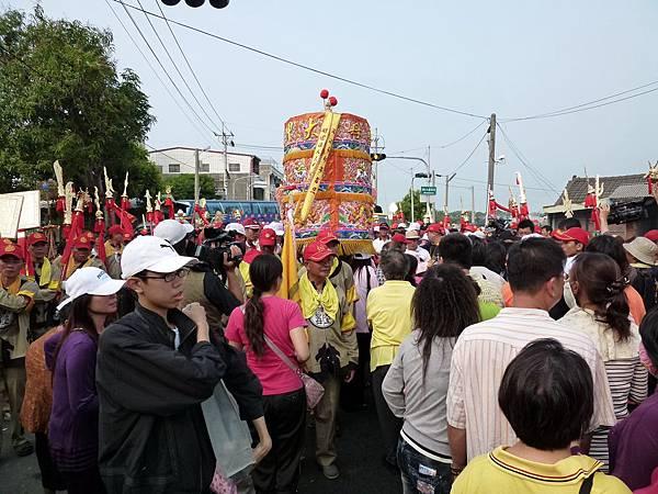 2011大甲媽祖繞境新港_141.JPG