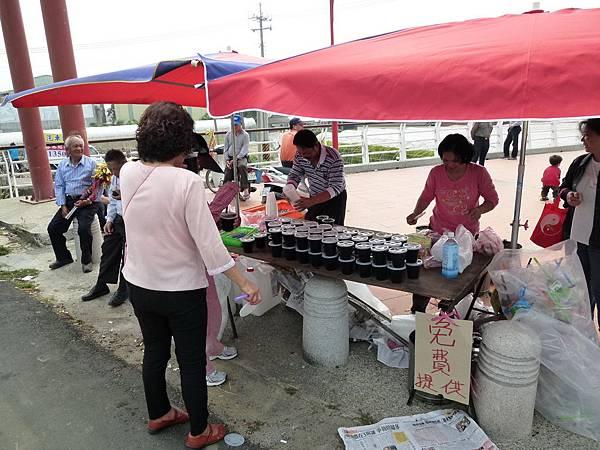 2011大甲媽祖繞境新港_4.JPG