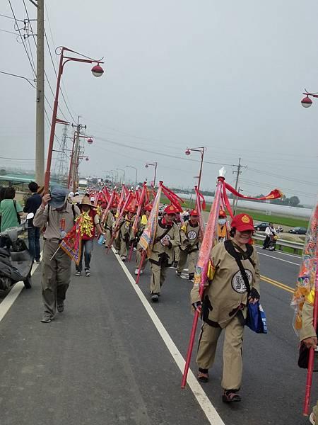 2011大甲媽祖繞境新港_18.JPG