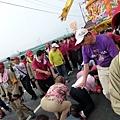 2011大甲媽祖繞境新港_79.JPG