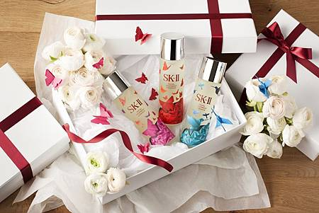 SK-II_Festive Limited Edition Facial Treatment Essence_Ambient