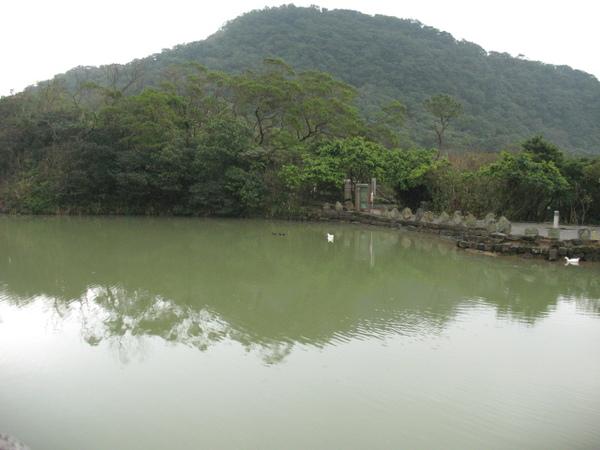 20071208_ 情人湖公園-湖光山色.jpg