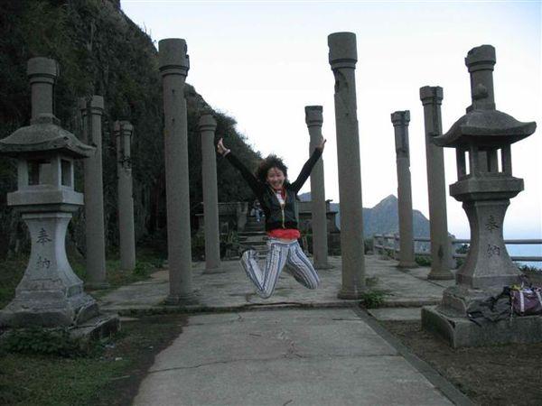 20071208_ 黃金神社的跳躍.jpg