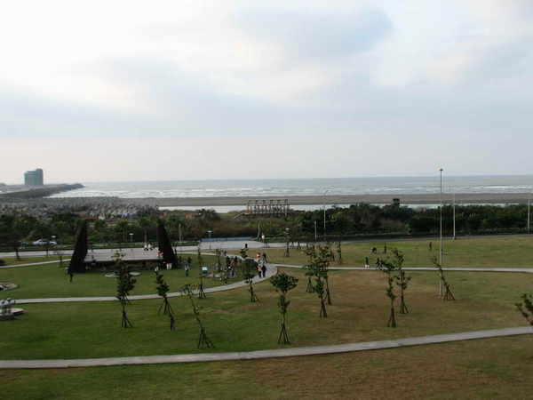 十三行公園(右)