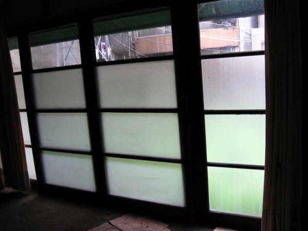 房間的大窗戶