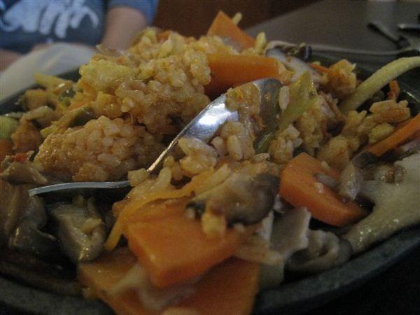 香菇法士達的飯(這是攪拌過後的)