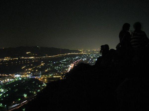 IMG_1585 山頂上其他情侶