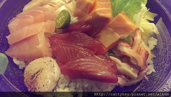 豪華生魚片蓋飯$380近照