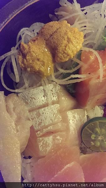 豪華生魚片蓋飯,海膽