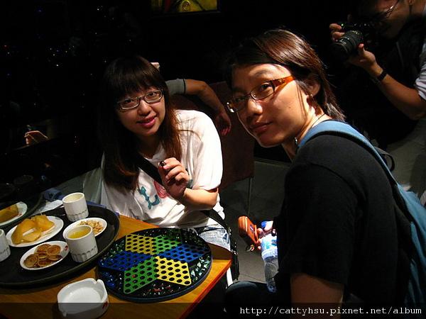 IMG_4242 海底撈火鍋城-還可以玩彈珠五子棋_resize.JPG