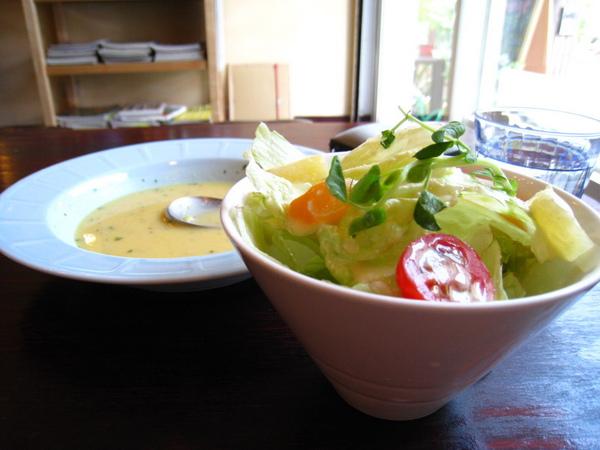 IMG_0643_公寓咖啡館-湯及沙拉 OK.jpg