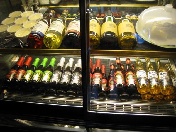 IMG_0656_公寓咖啡館-酒.jpg