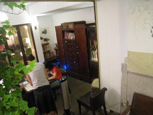 IMG_0737_公寓咖啡館-地下室.JPG