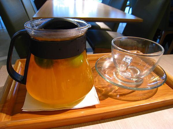 IMG_1309 三輪車人氣茶房-熱桔茶_resize.JPG