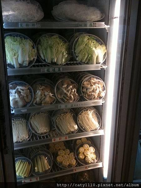 酸菜白肉鍋-冰箱2.JPG