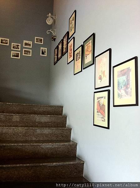 瑪莉洋房-樓梯.JPG