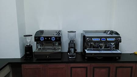 8B ESPRESSO COFFEE MACHINES Aurora 2GR黑色機裝機