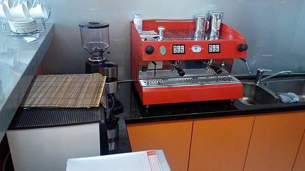 雙孔咖啡機華視大樓裝機